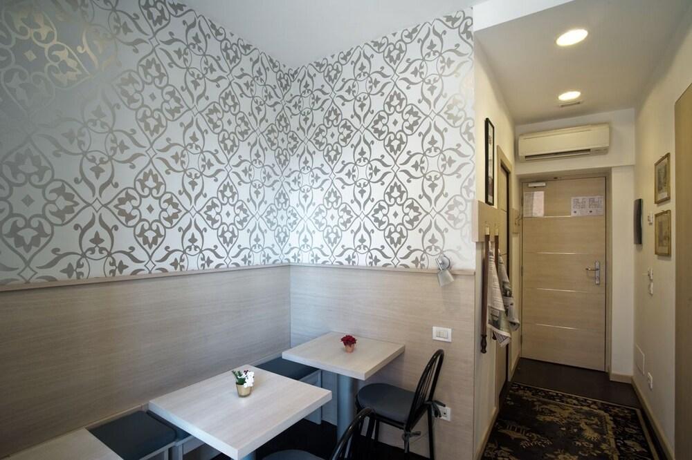 호텔 아피아 442(Hotel Appia 442) Hotel Image 31 - Dining