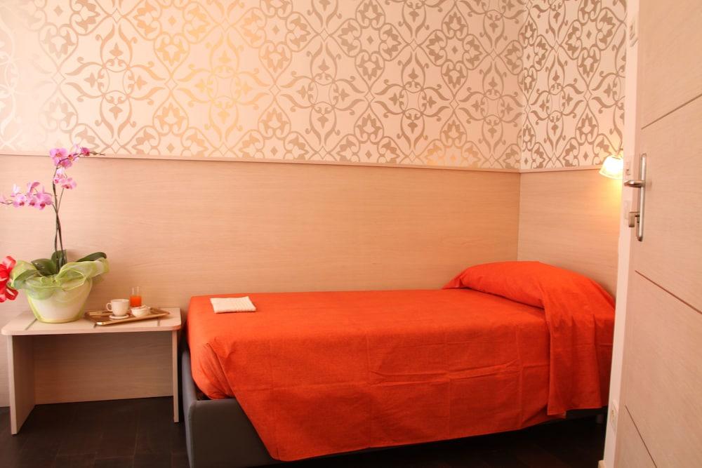 호텔 아피아 442(Hotel Appia 442) Hotel Image 14 - Guestroom