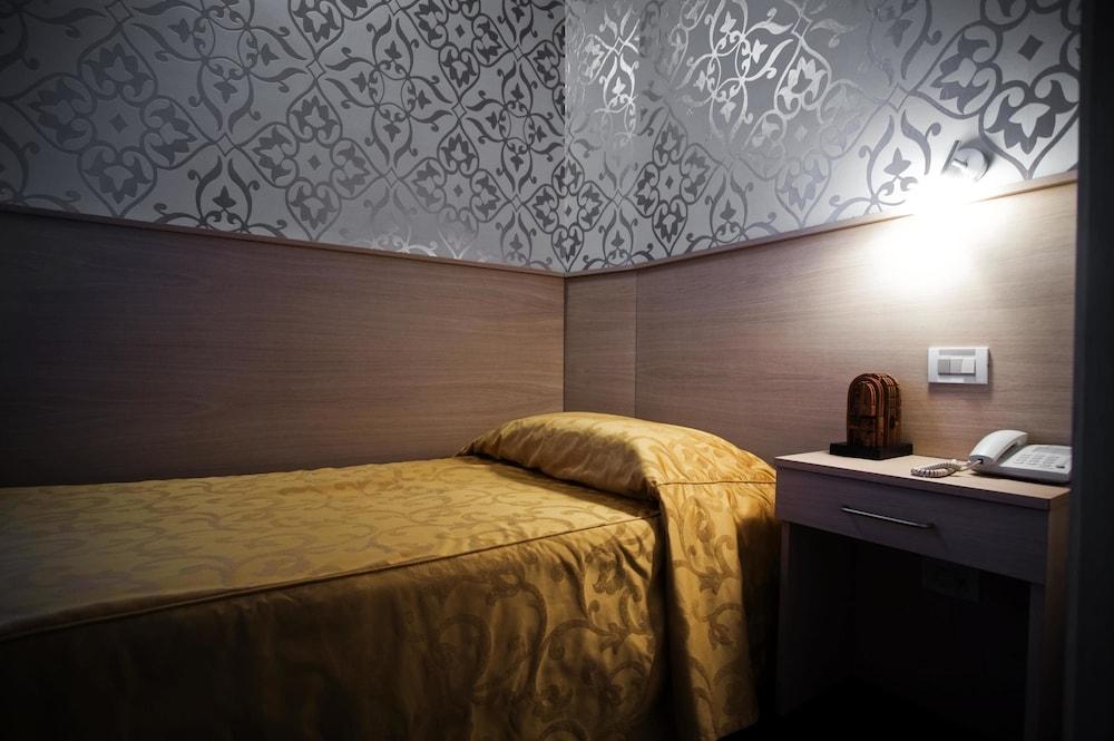 호텔 아피아 442(Hotel Appia 442) Hotel Image 13 - Guestroom