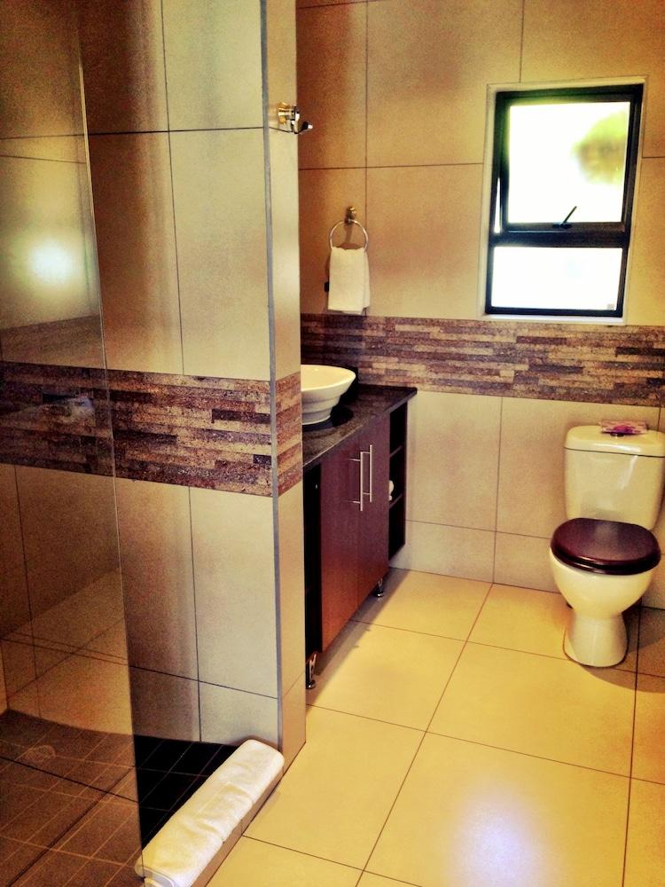 필그림스 딜라이트(Pilgrims Delight) Hotel Image 17 - Bathroom