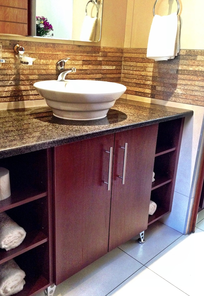 필그림스 딜라이트(Pilgrims Delight) Hotel Image 20 - Bathroom