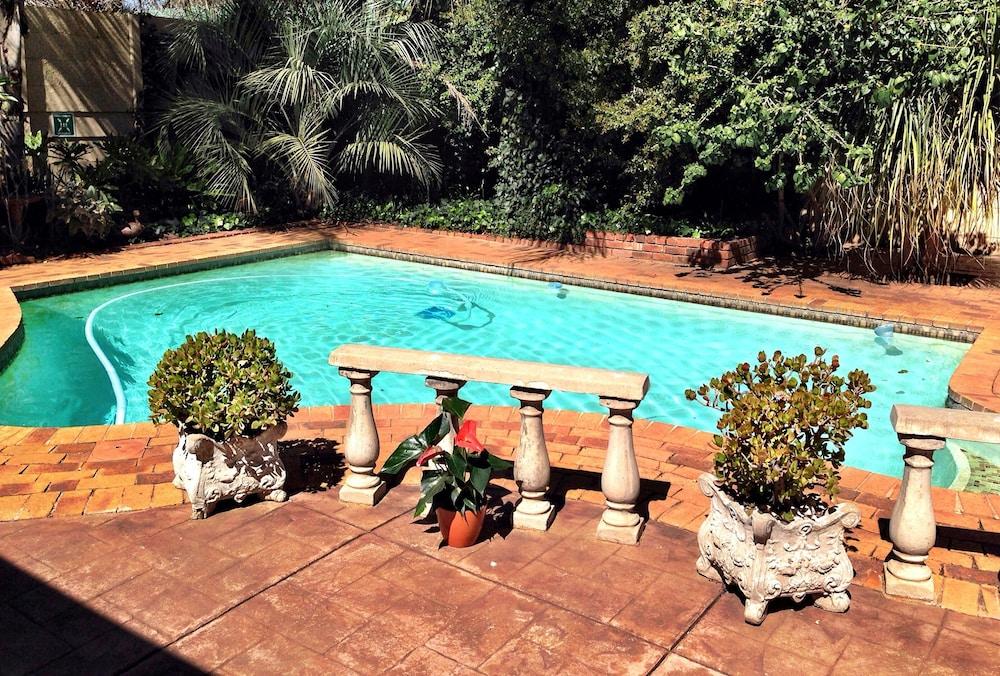 필그림스 딜라이트(Pilgrims Delight) Hotel Image 22 - 야외 수영장