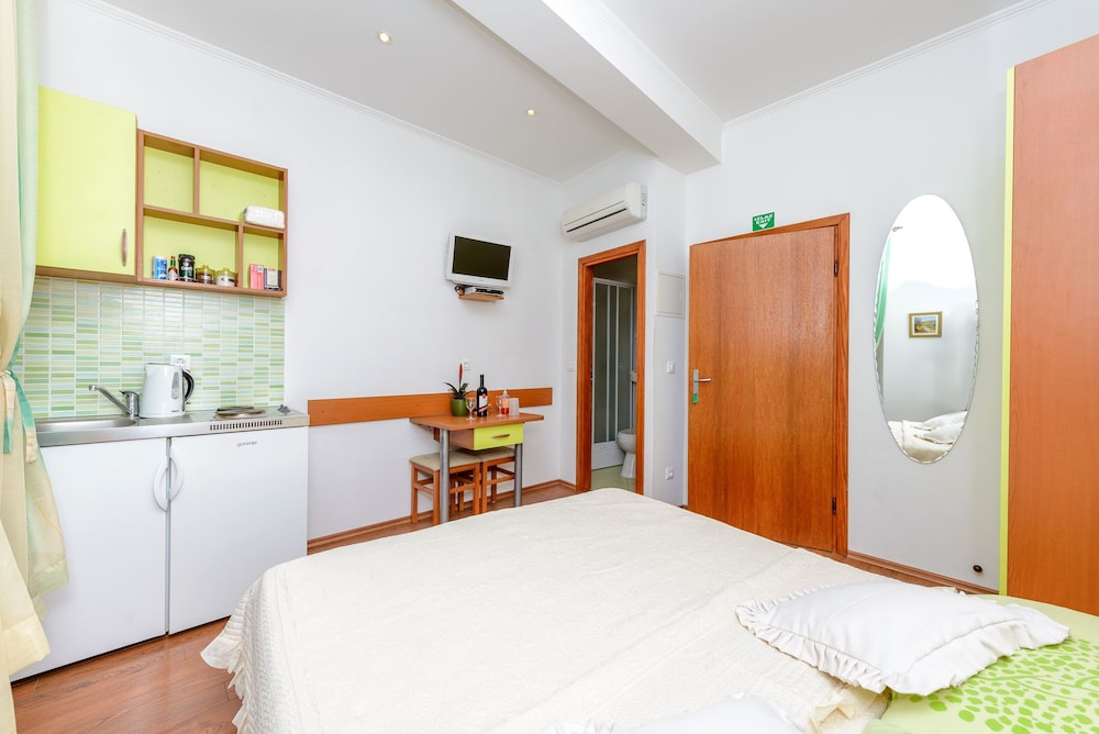 스튜디오 아파트먼츠 스트라둔(Studio Apartments Stradun) Hotel Image 60 - In-Room Kitchenette