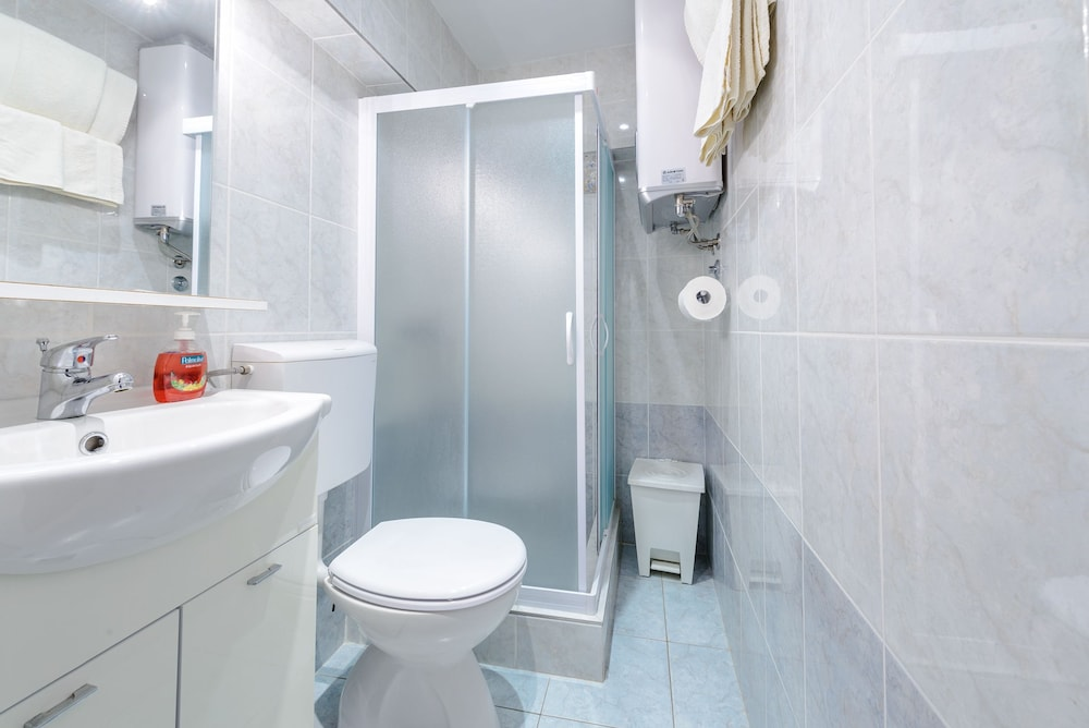 스튜디오 아파트먼츠 스트라둔(Studio Apartments Stradun) Hotel Image 70 - Bathroom