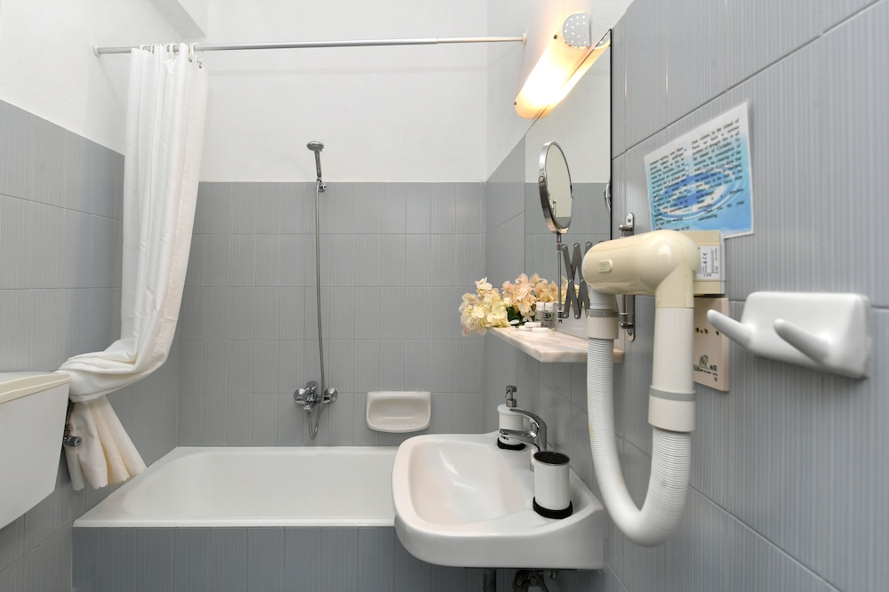 스위스 홈(Swiss Home) Hotel Image 46 - Bathroom