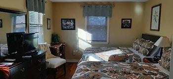 Room #3 - 2 Queen Beds