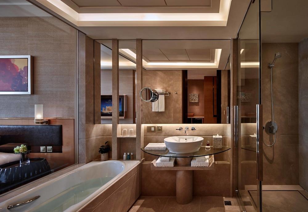 갤럭시 호텔(Galaxy Hotel) Hotel Image 22 - Bathroom