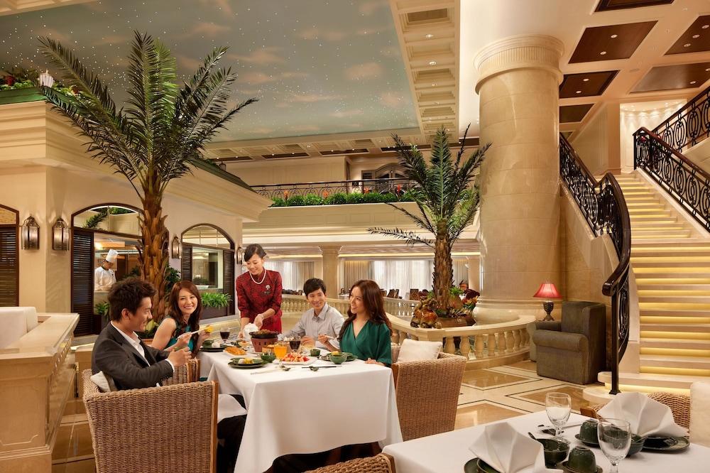 갤럭시 호텔(Galaxy Hotel) Hotel Image 39 - Restaurant