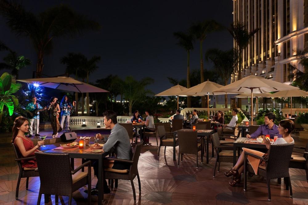 갤럭시 호텔(Galaxy Hotel) Hotel Image 54 - Terrace/Patio