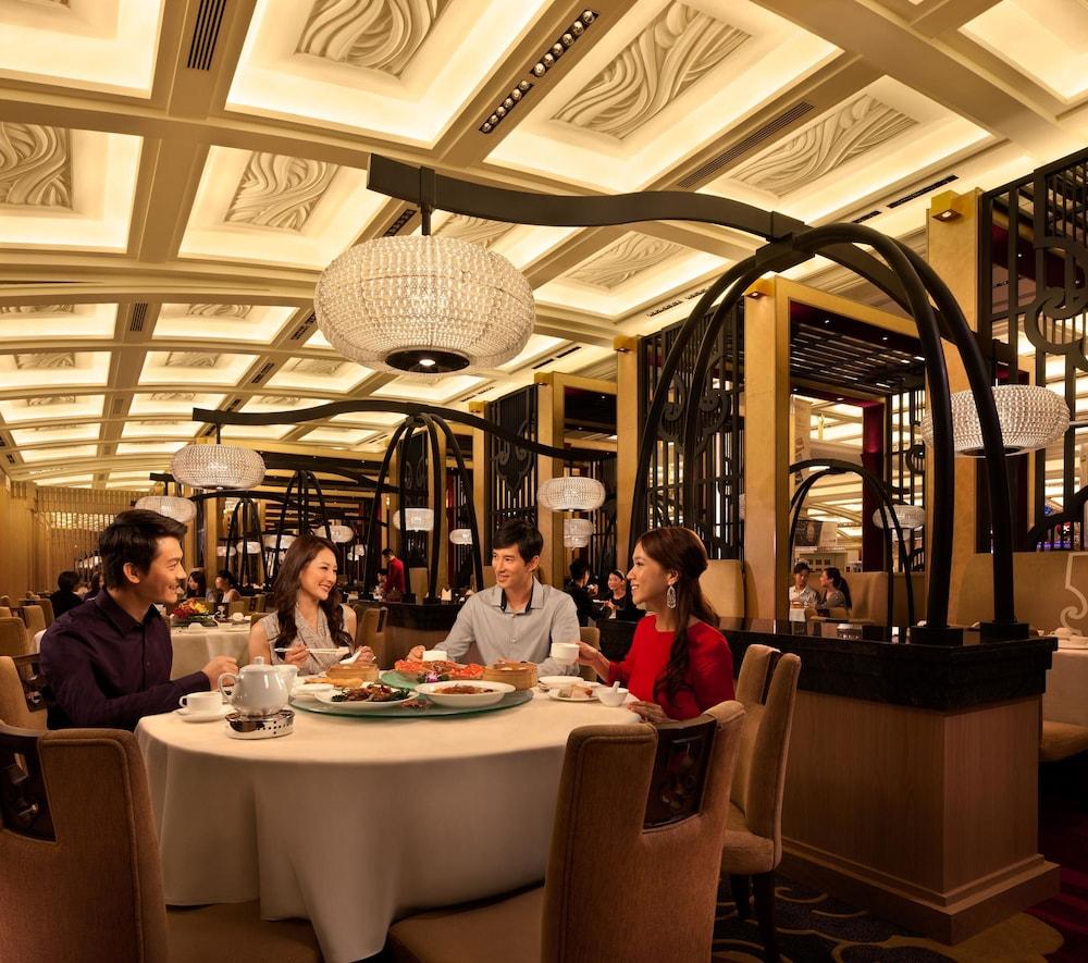 갤럭시 호텔(Galaxy Hotel) Hotel Image 42 - Restaurant