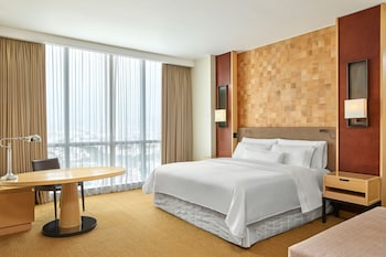 Grand Room, 1 King Bed, Non Smoking (Grand Deluxe)