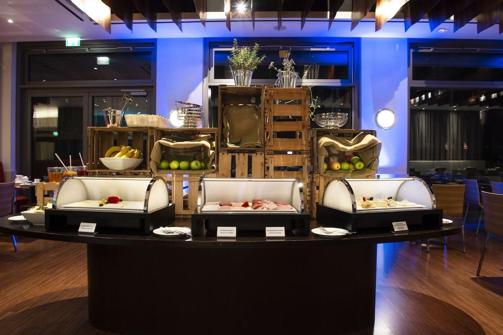 페스타나 베를린 티에르가르텐(Pestana Berlin Tiergarten) Hotel Image 40 - Breakfast buffet