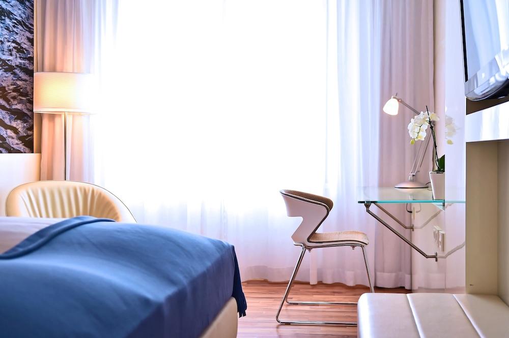 페스타나 베를린 티에르가르텐(Pestana Berlin Tiergarten) Hotel Image 5 - Guestroom