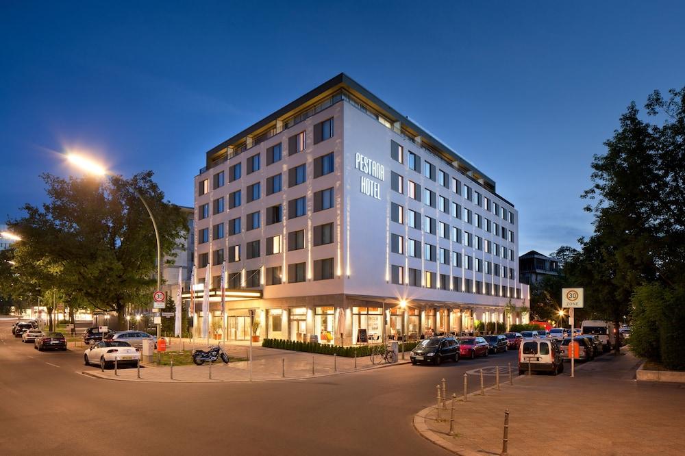 페스타나 베를린 티에르가르텐(Pestana Berlin Tiergarten) Hotel Image 55 - Hotel Front - Evening/Night