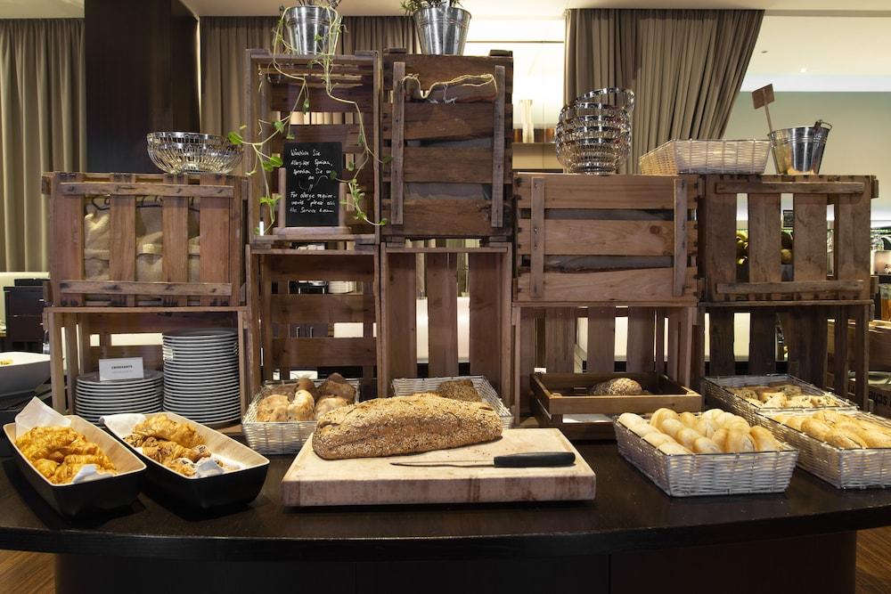페스타나 베를린 티에르가르텐(Pestana Berlin Tiergarten) Hotel Image 41 - Breakfast buffet