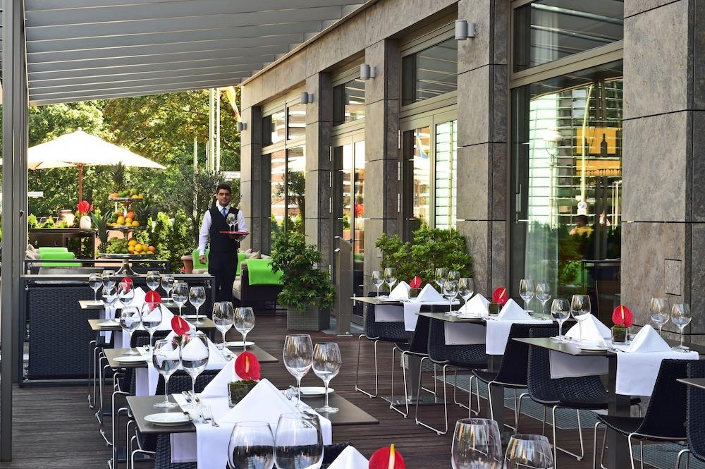페스타나 베를린 티에르가르텐(Pestana Berlin Tiergarten) Hotel Image 38 - Restaurant