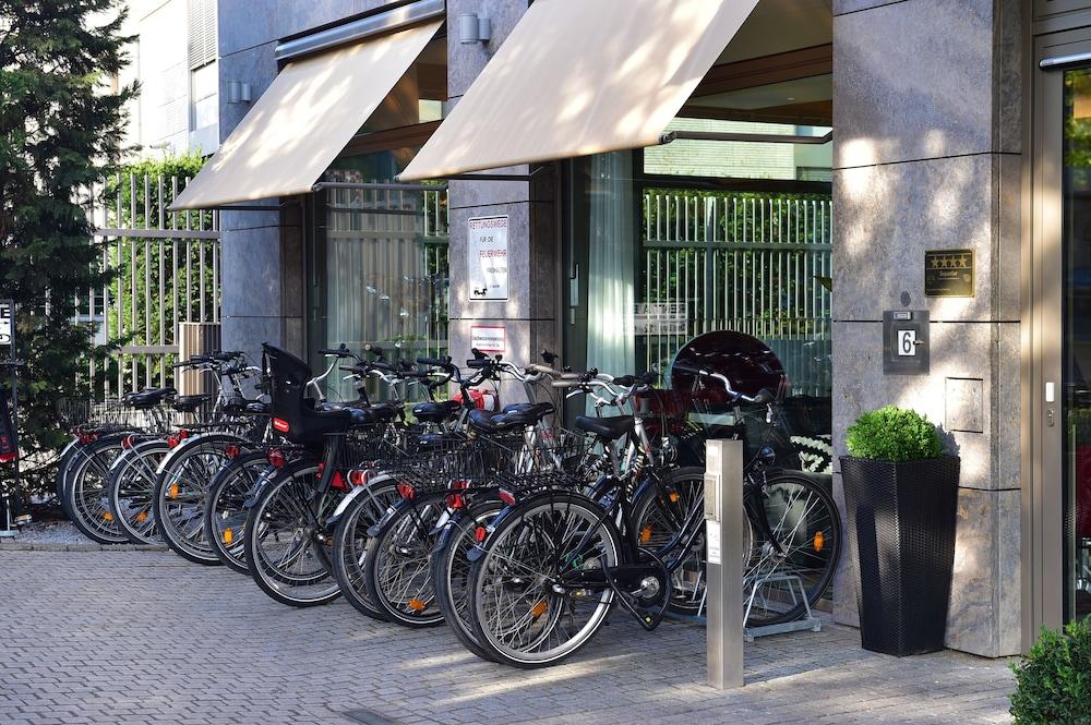 페스타나 베를린 티에르가르텐(Pestana Berlin Tiergarten) Hotel Image 34 - Bicycling