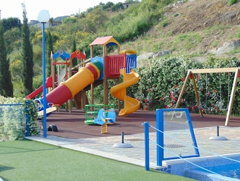 Tus' Hotel - Childrens Play Area - Outdoor  - #0