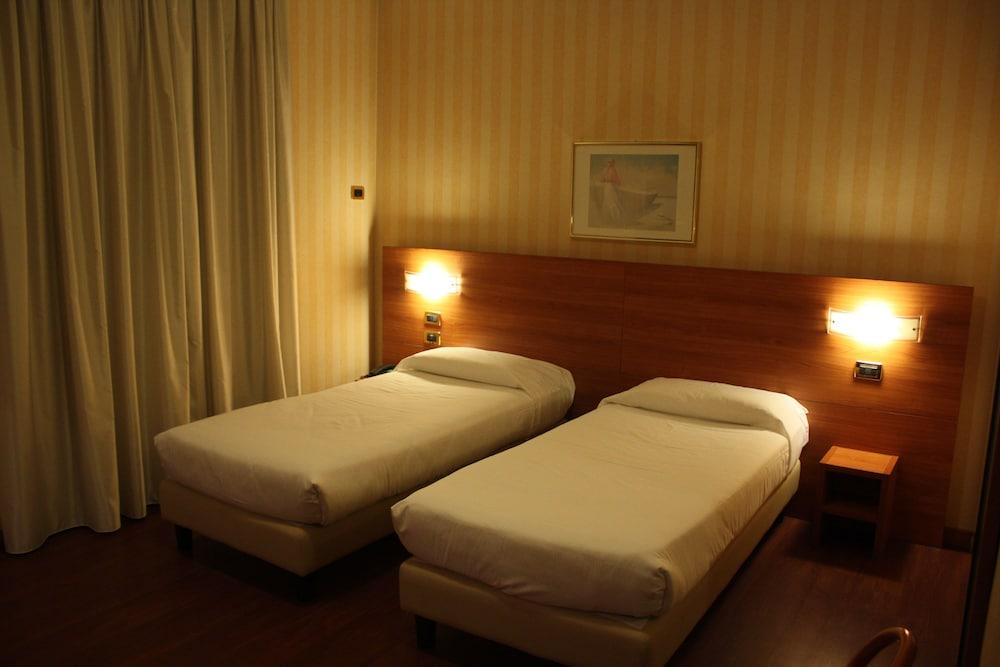 호텔 2C(Hotel 2C) Hotel Image 9 - Guestroom
