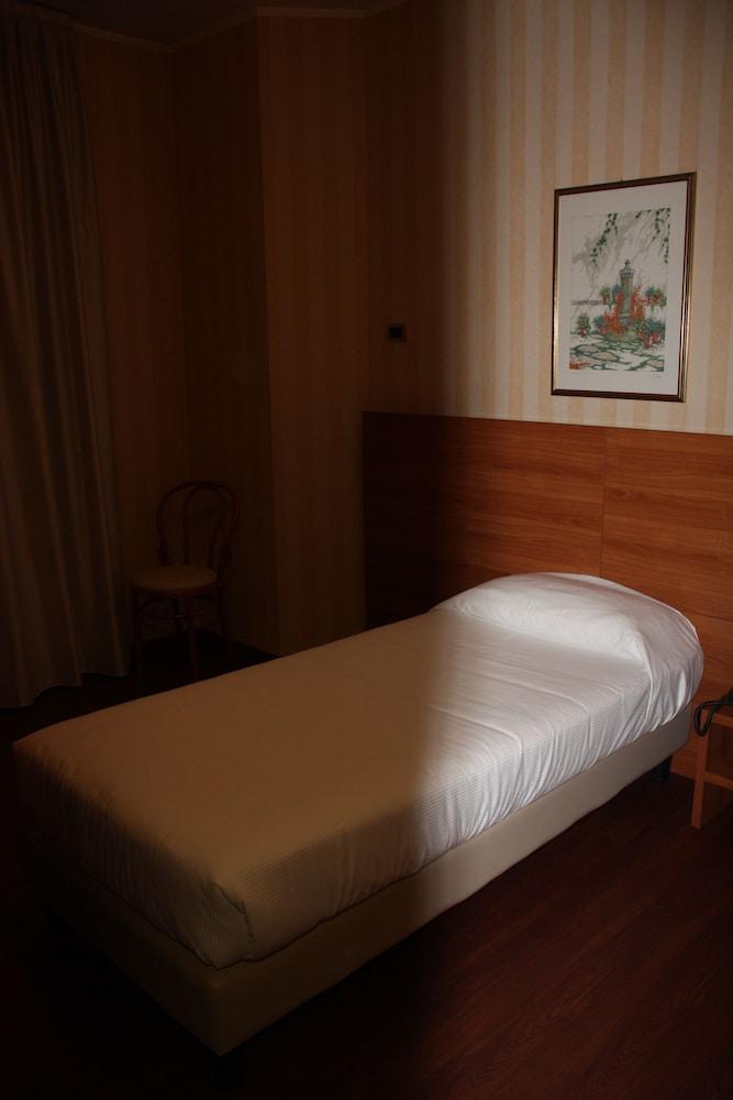 호텔 2C(Hotel 2C) Hotel Image 8 - Guestroom