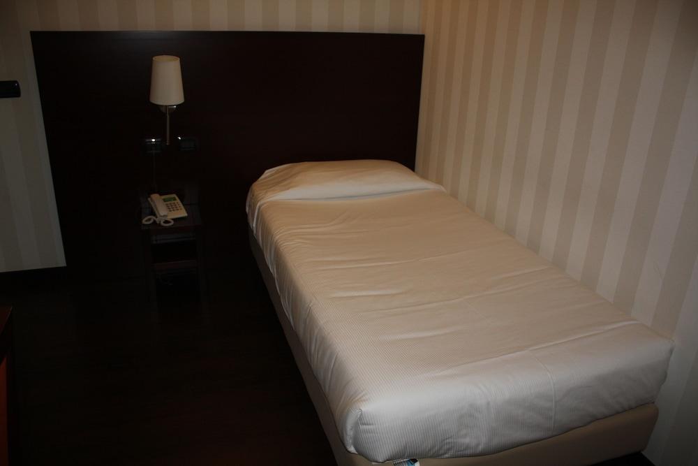 호텔 2C(Hotel 2C) Hotel Image 19 - Guestroom