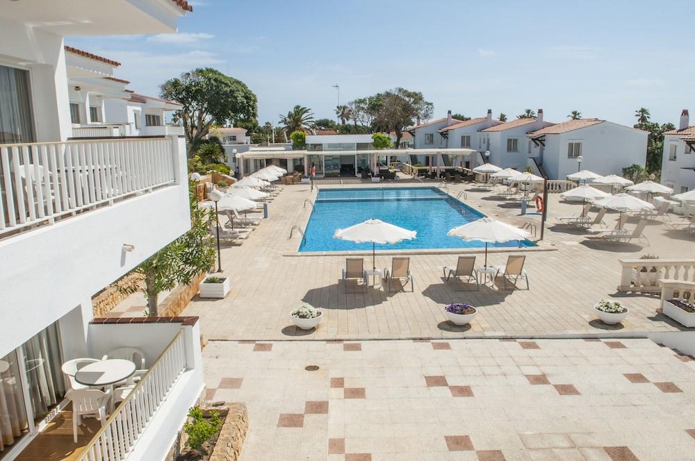 아파르타멘토스 로스 나란호스(Apartamentos Los Naranjos) Hotel Image 47 - Outdoor Pool