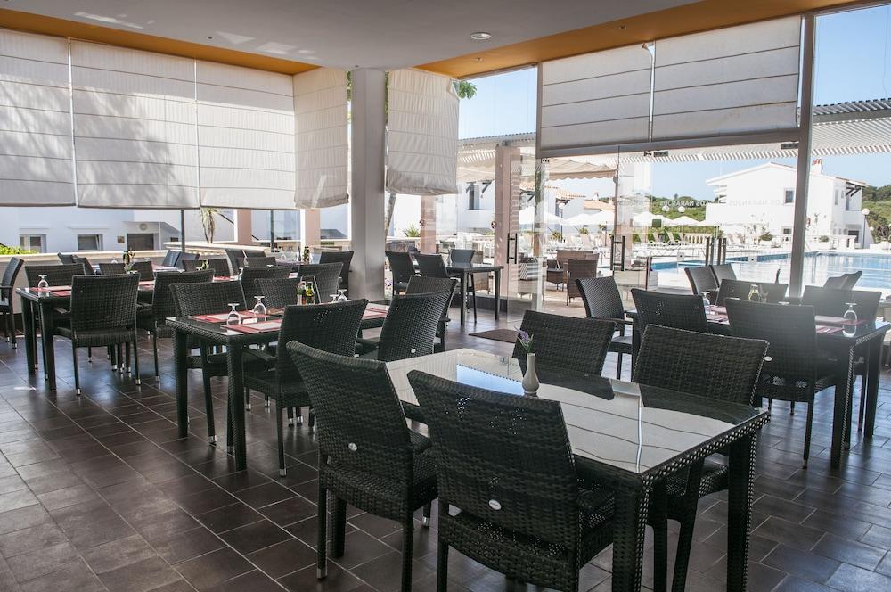 아파르타멘토스 로스 나란호스(Apartamentos Los Naranjos) Hotel Image 33 - Restaurant