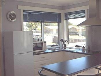 프레이시넷 워터스(Freycinet Waters) Hotel Image 15 - In-Room Kitchen