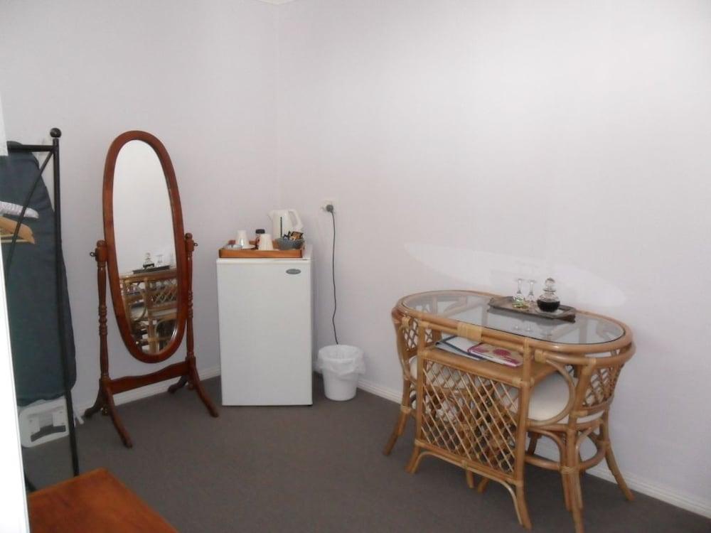 프레이시넷 워터스(Freycinet Waters) Hotel Image 18 - Living Area