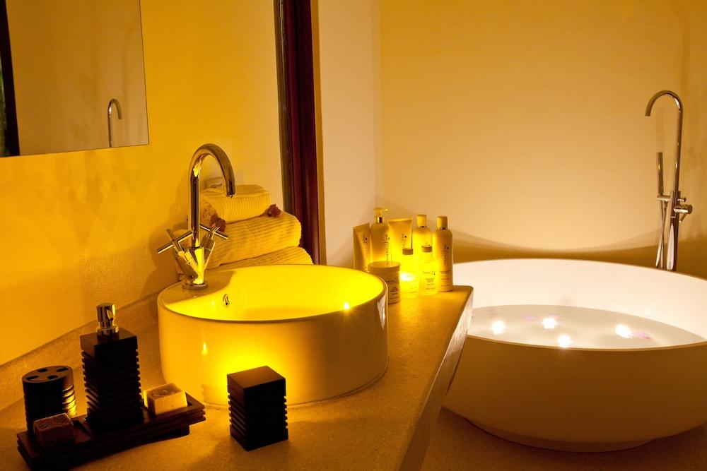 에스케 잘루 잔지바르(Essque Zalu Zanzibar) Hotel Image 44 - Bathroom