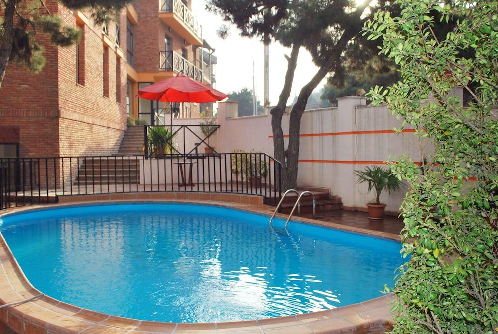 벳시스 호텔(Betsy's Hotel) Hotel Image 2 - Pool