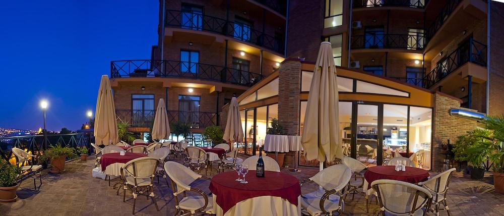 벳시스 호텔(Betsy's Hotel) Hotel Image 41 - Outdoor Dining