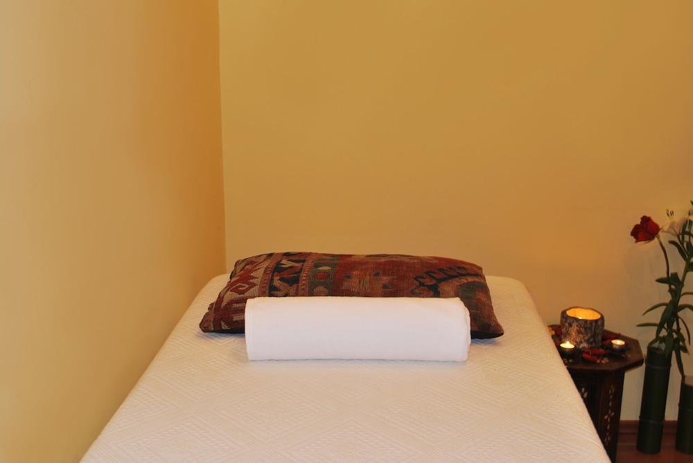 벳시스 호텔(Betsy's Hotel) Hotel Image 26 - Treatment Room