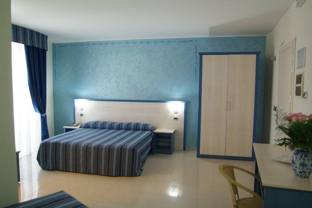 그랜드 호텔 데이 카발리에리(Grand Hotel dei Cavalieri) Hotel Image 8 - Guestroom