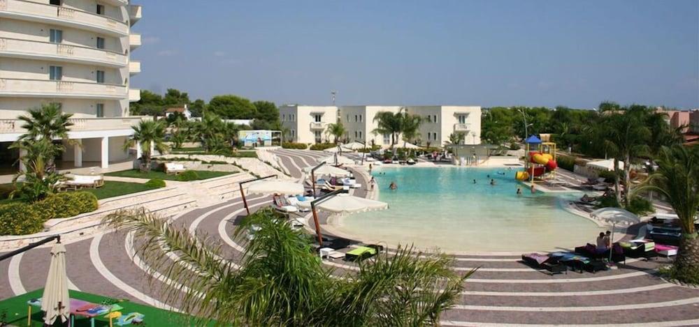그랜드 호텔 데이 카발리에리(Grand Hotel dei Cavalieri) Hotel Image 25 - Outdoor Pool