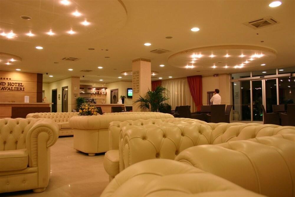 그랜드 호텔 데이 카발리에리(Grand Hotel dei Cavalieri) Hotel Image 3 - Lobby Lounge