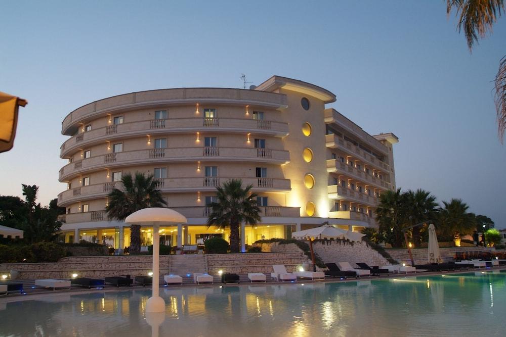 그랜드 호텔 데이 카발리에리(Grand Hotel dei Cavalieri) Hotel Image 40 - Exterior