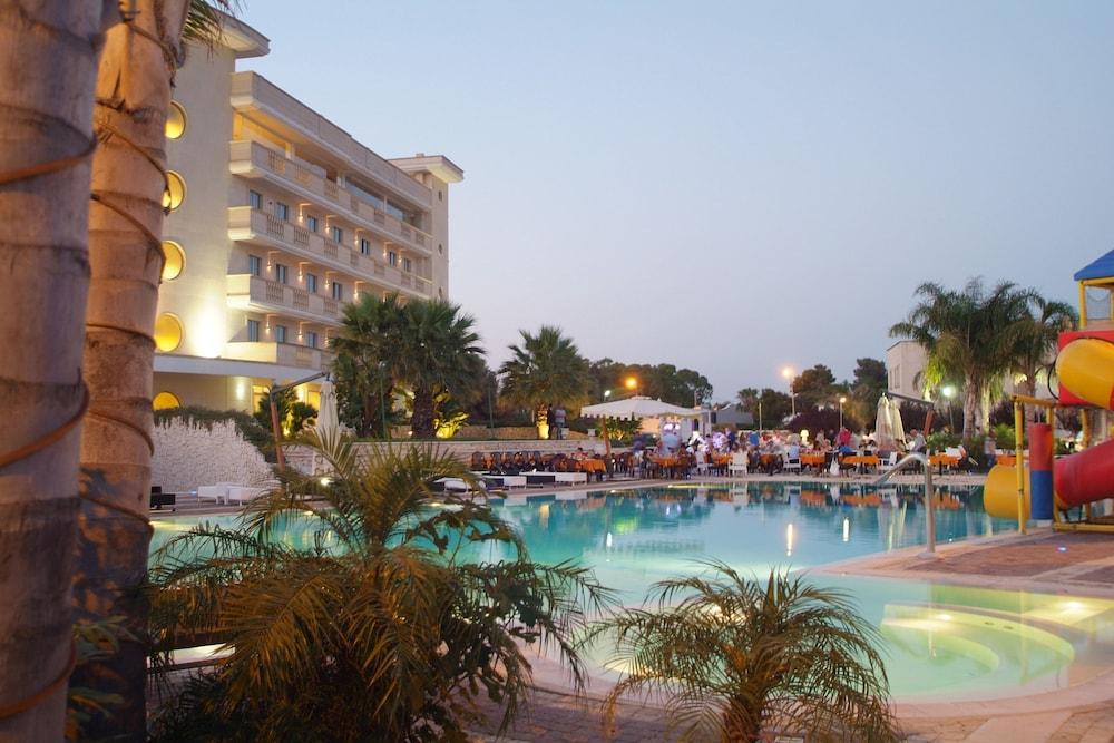 그랜드 호텔 데이 카발리에리(Grand Hotel dei Cavalieri) Hotel Image 27 - Outdoor Pool