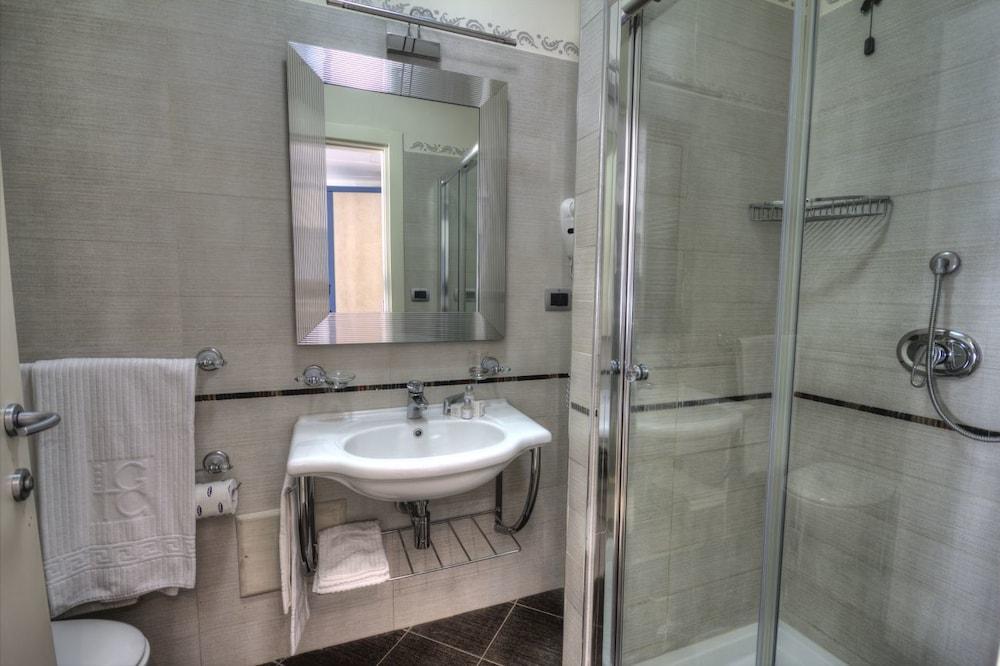 그랜드 호텔 데이 카발리에리(Grand Hotel dei Cavalieri) Hotel Image 41 - Bathroom