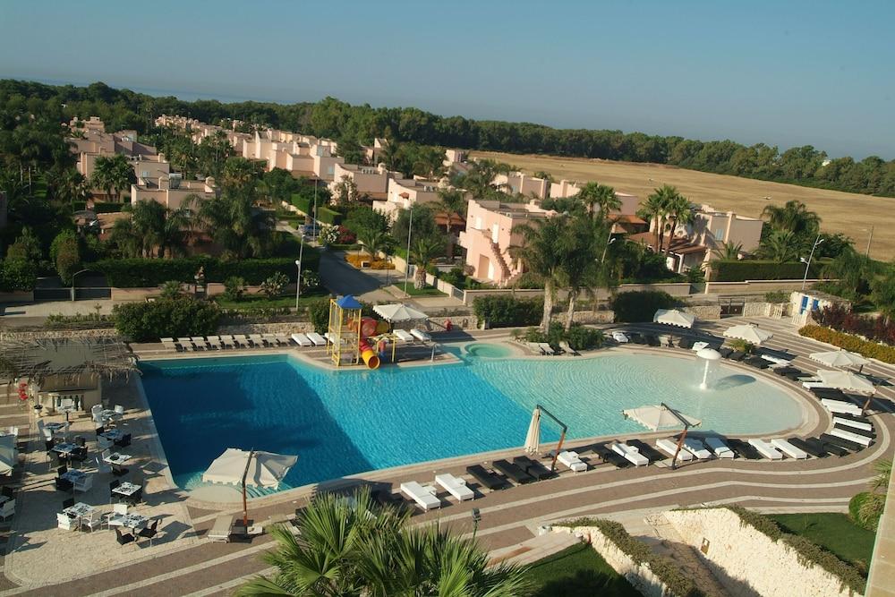 그랜드 호텔 데이 카발리에리(Grand Hotel dei Cavalieri) Hotel Image 28 - Outdoor Pool