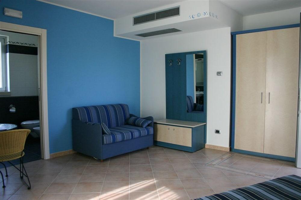 그랜드 호텔 데이 카발리에리(Grand Hotel dei Cavalieri) Hotel Image 15 - Living Area