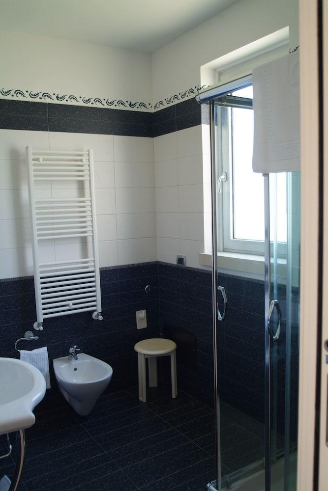 그랜드 호텔 데이 카발리에리(Grand Hotel dei Cavalieri) Hotel Image 19 - Bathroom