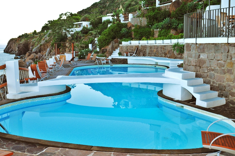 호텔 친코타(Hotel Cincotta) Hotel Image 22 - Outdoor Pool