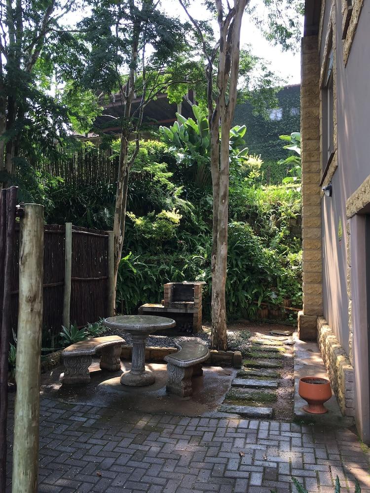 포레스트 뷰 게스트 하우스 & 셀프 캐터링(Forest View Guest House & Self Catering) Hotel Image 30 - Property Amenity
