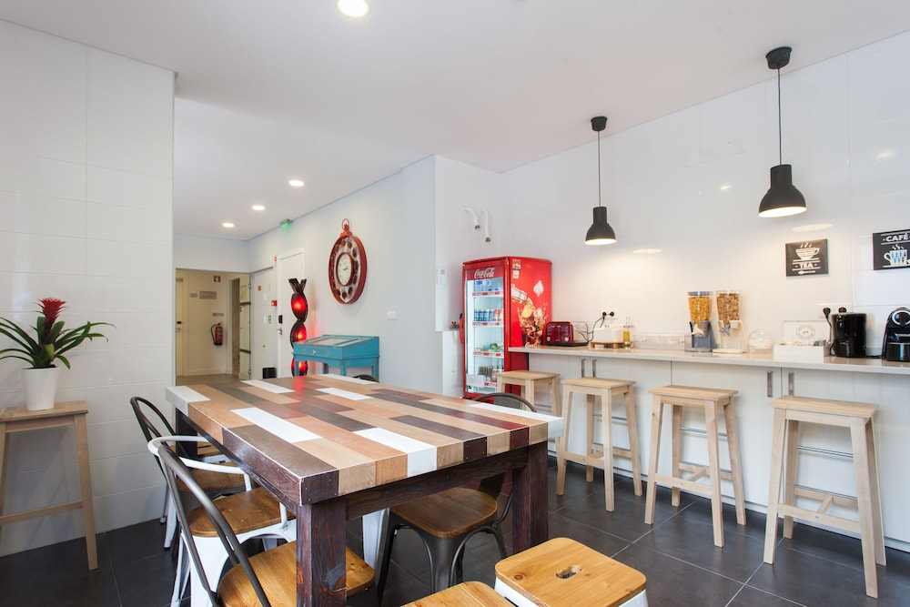 비 리스본 호스텔(Be Lisbon Hostel) Hotel Image 15 - Shared Kitchen Facilities
