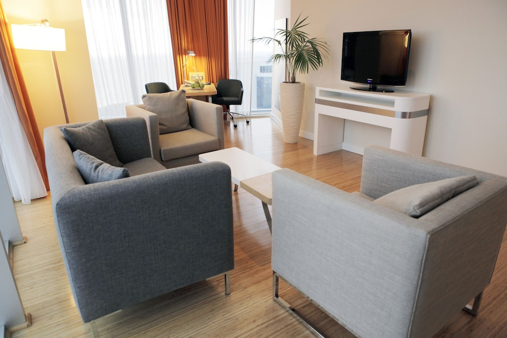 래디슨 블루 호텔 바투미(Radisson Blu Hotel Batumi) Hotel Image 21 - Living Room