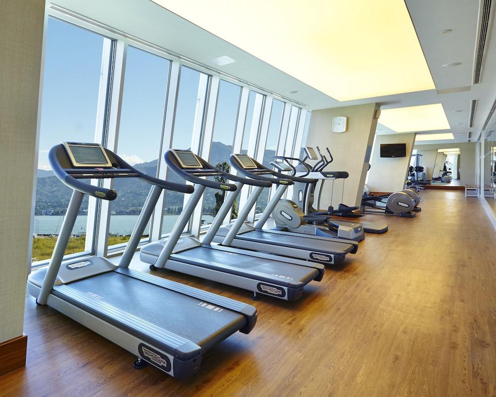 래디슨 블루 호텔 바투미(Radisson Blu Hotel Batumi) Hotel Image 42 - Gym
