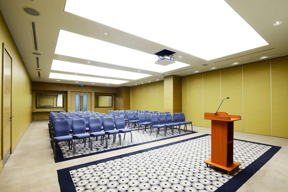 래디슨 블루 호텔 바투미(Radisson Blu Hotel Batumi) Hotel Image 58 - Meeting Facility