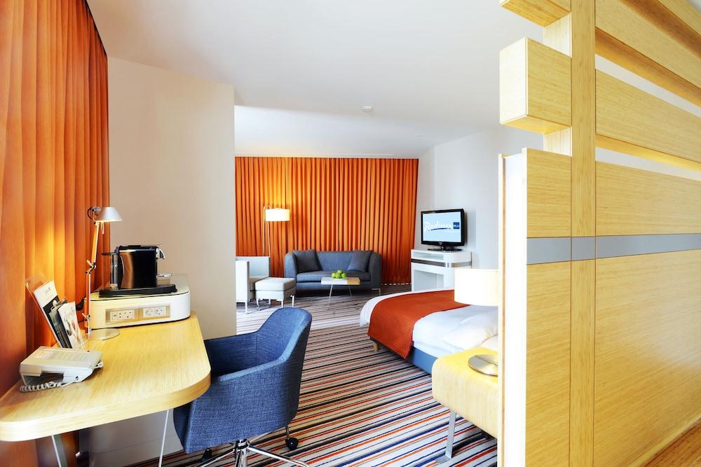 래디슨 블루 호텔 바투미(Radisson Blu Hotel Batumi) Hotel Image 20 - Living Area