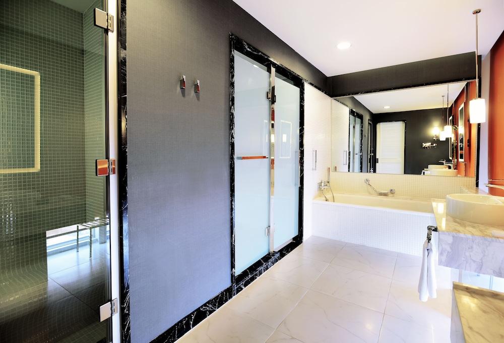 래디슨 블루 호텔 바투미(Radisson Blu Hotel Batumi) Hotel Image 31 - Bathroom
